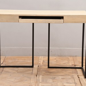 M250_Desk_Nadeau-Furniture