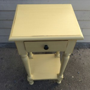 YD4570_Side-Table_Nadeau-Furniture