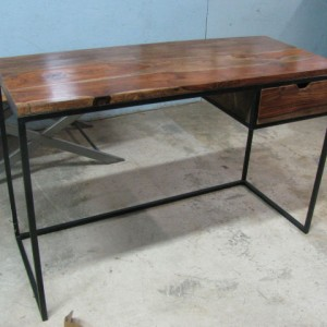 NB032_Desk_Nadeau-Furniture-02