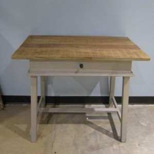 KA302_Desk_Nadeau-Furniture