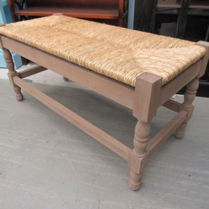 YD902_Bench_Nadeau-Furniture