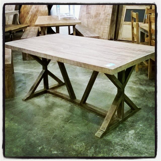 Cross leg dining table nadeau louisville cross leg dining table watchthetrailerfo